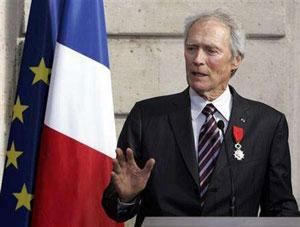 کلینت ایستوود در مراسم دریافت نشان لژیون دونور/AP Photo/Remy de la Mauviniere, Pool