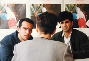 جعفر پناهی و رفیع پیتز (کارگردان و مترجم) در حال