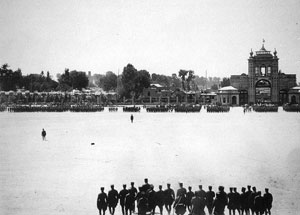 میدان مشق - 1302 ؛ تنها رویای مبهم سال های دوری از این میدان بجا مانده است