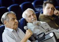 دکتر مصطفی کمال پورتراب در کنار محمد موسوی ( مدیر انتشارات ماهور) و عباس سجادی ( مدیر نغمه شهر)