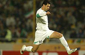 On November 17, 2004, Daei scored four goals against Laos in a World Cup qualifier, giving him 102 goals and making him the first male player to score 100 goals in international play