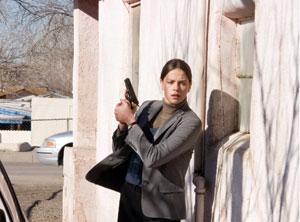 چارلیز ترون در نمایی از فیلم « در دره الاه» از جمله فیلم های انتقادی هالیوود درباره سیاست های جنگ افروزانه آمریکا
