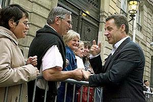 رییس جمهوری فرانسه بازدید کنندگان از الیزه را مورد استقبال قرار میدهد