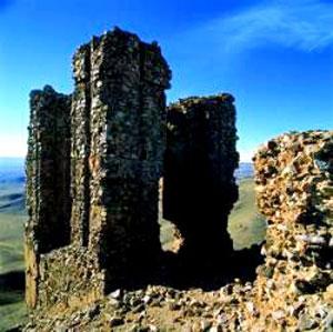 قلعه دختر ساوه-عکس از ایرنا
