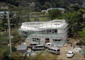 خانه توالتی در حال ساحت در کره جنوبی