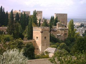 مجموعه بناهای تاریخی الحمرا در گرانادا، یادگار دوران حاکمیت مسلمانان در اسپانیا