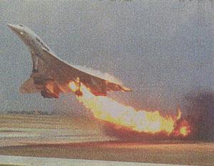 هواپیما هنگام بلند شدن دچار آتشسوزی شد و کمی پس از از آن در شهر سقوط کرد