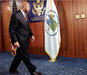 US housing secretary Alphonso Jackson resigns