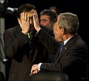 President of Georgia Mikheil Saakashvili (L) and US President George W. Bush during Nato summit.