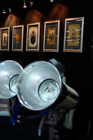 فصلنامه عکاسی خلاق نمایشگاه کوچکی از عکس های قدیمی برپا کرده است