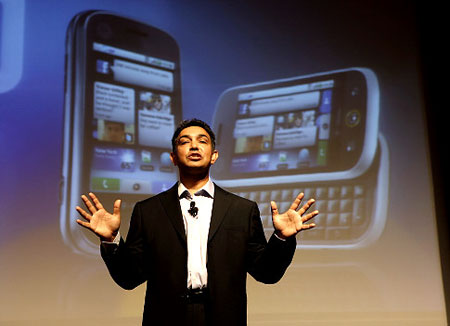 Sanjay Jha, co-CEO of Motorola and CEO of Motorola Mobile Devices, hopes the release of the Cliq revives the company's handset division