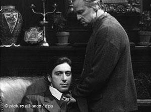 صحنهای از فیلم پدرخوانده در کنار مارلون براندو