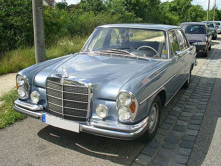 Oldtimer car owner needs to pay 11,500 pounds for parking