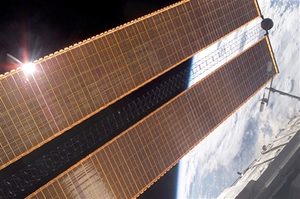 پنلهای خورشیدی جدید آتلانتیس با موفقیت نصب شدند
